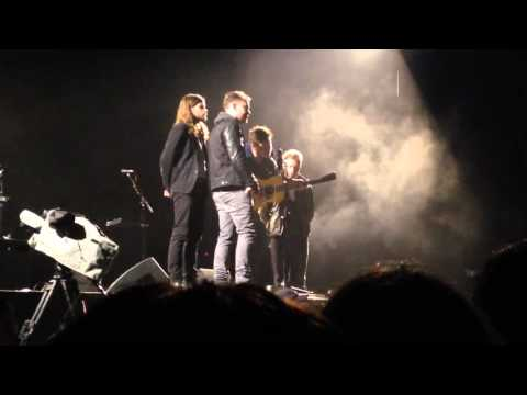 Mumford & Sons - Cold Arms (Live at The Domain - Sydney 14/11/15)