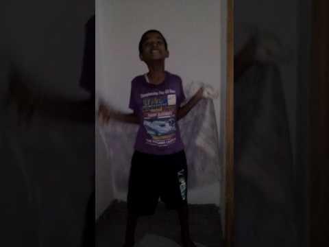 Boy dancing on gori tori chunari ba lal lal re