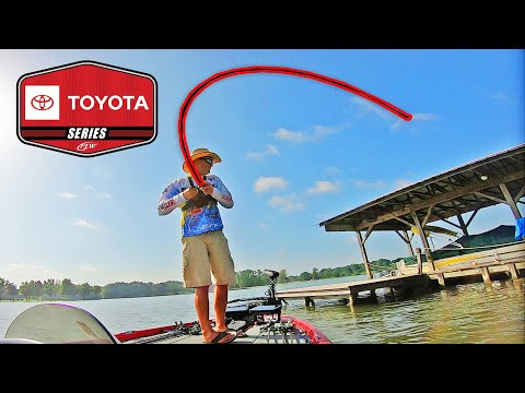 PRO FLW Toyota Open Bass Fishing Tournament On NEELY HENRY!