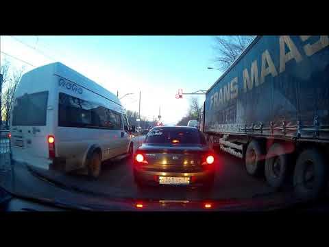 Водители маршруток в Ульяновске отчаянные ребята 12 декабря 2018 года