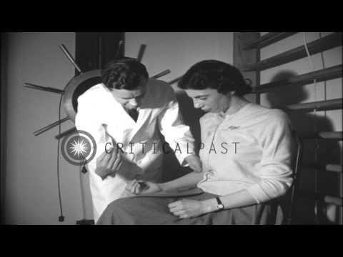Poliomyelitis - перевод, произношение, транскрипция