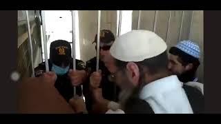 المستوطنون ينزعون باب المغاربة