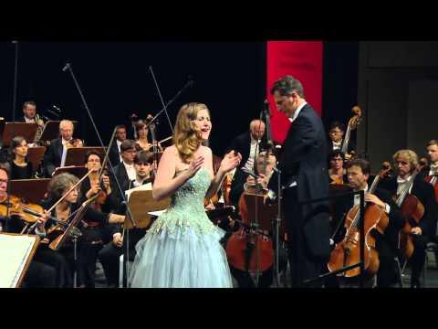 """NEUE STIMMEN 2013 - Final: After winning, Nicole Car sings """"Tacea la notte placida / Di tale amor"""""""