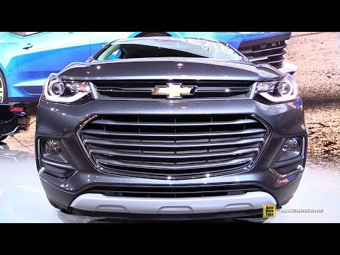 2017 Chevrolet Trax - Exterior and Interior Walkaround - 2016 Chicago Auto Show