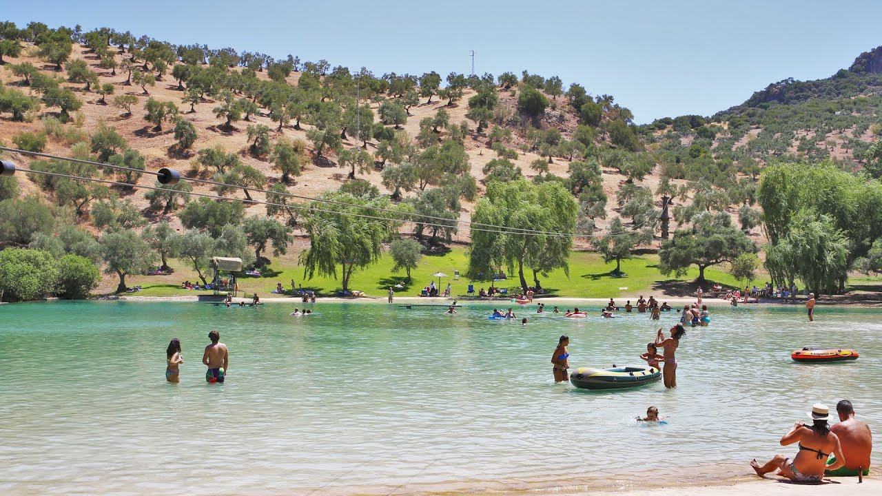Playa artificial de zahara de la sierra la playita youtube for Piscina zahara de la sierra