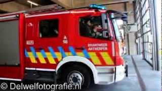 20-04-2013 2e Hulp brandweer Antwerpen rukt uit voor voertuig in brand