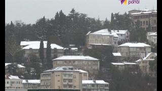 В Сочи прогнозируют снегопады и понижение температуры(До конца суток на побережье ожидается снег и сильный ветер, местами порывы до 18 метров в секунду http://maks-portal.ru..., 2017-02-15T17:21:57.000Z)