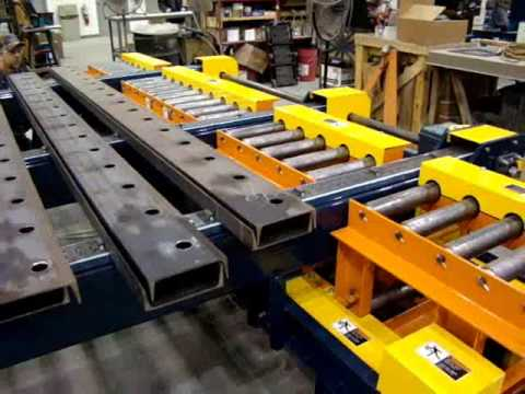 Omni Metalcraft Corp. CDLR Saw Feeding Conveyor