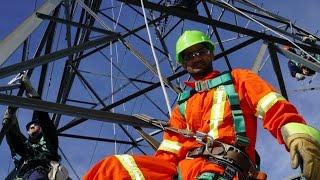 Monteur de lignes électriques : un métier à la hauteur de tes aspirations !