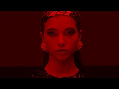 Roxen – Cherry Red