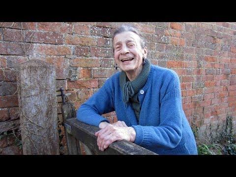 The Old Chron: Journalist Primrose Minney recalls High Street early 50s