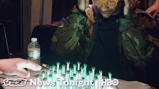 Gamers On A Train & Russia's Shadow War: VICE News Tonight Full Episode (HBO)