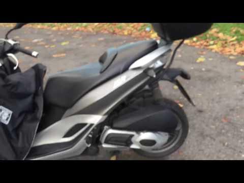 PIGGIO MP3 300 Yourban LT 278cc Tricycle Three 3 Wheeler Car License Top Case Leg Cover LC12FPG