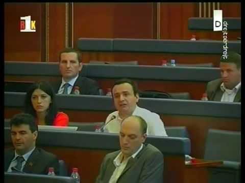 "Albin Kurti- Kryeministrit Thaçi ""mos u zgërdhi"""
