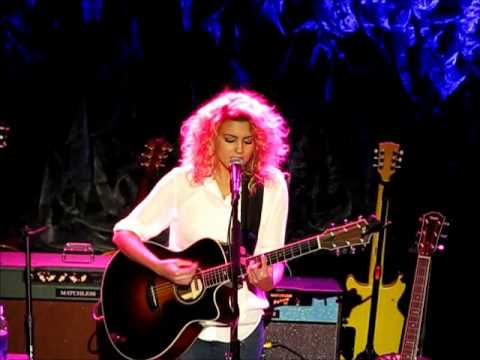 Tori Kelly - Bring Me Home (live)