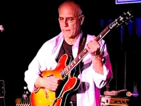 Larry Carlton at Blue Note Jazz Club in New York City - #5