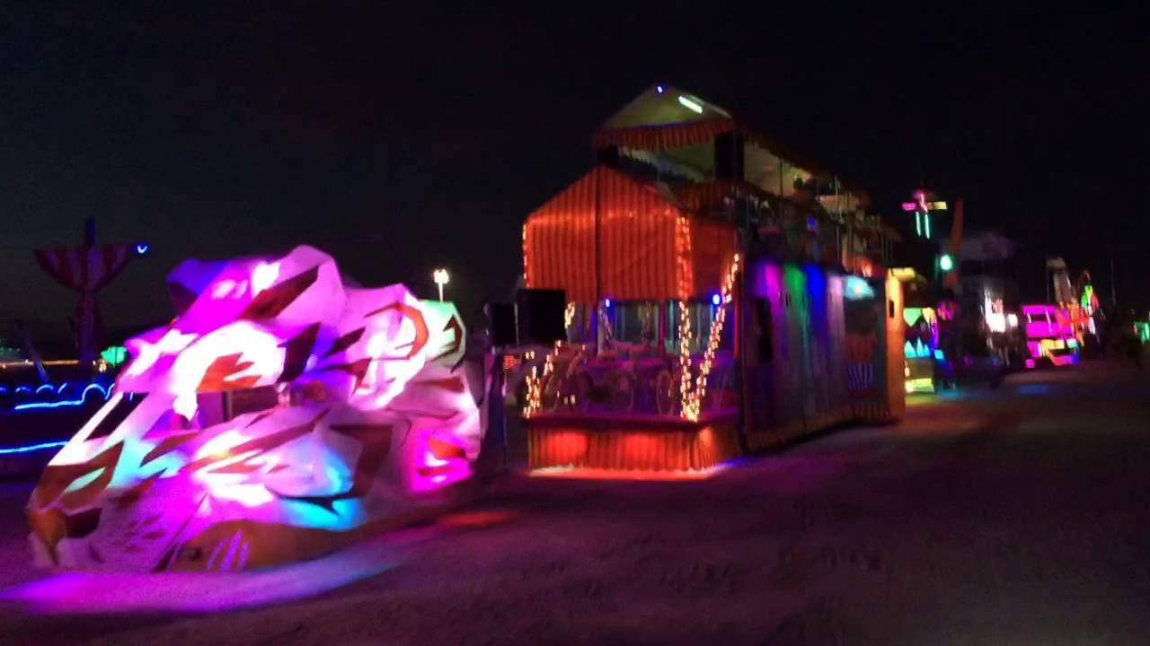 Art cars at the DMV, Burning Man 2015
