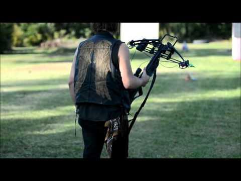daryl dixon the walking dead crossbow fail youtube