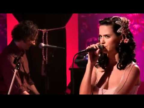Katy Perry - I Kissed A Girl (Live MTV Unplugged)