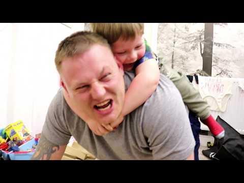 Jenga kids - giant jenga challenge! parent vs kid family fun game for children