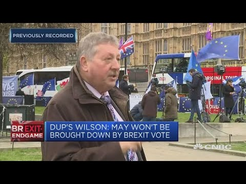 'No-deal' Brexit would bring EU back to the table, DUP says | Street Signs Europe