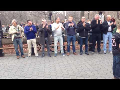 Уличные танцоры, прыжок веры, Нью-Йорк