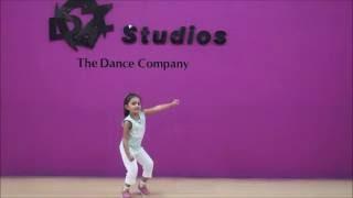 Gambar cover DZe Dance Studios-Cute dance by Hasini on Kala Chasma
