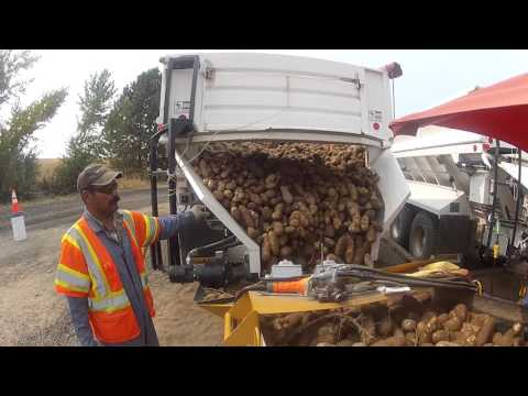 Transport Commodities with Double L's Self-Unloading Truck Bed