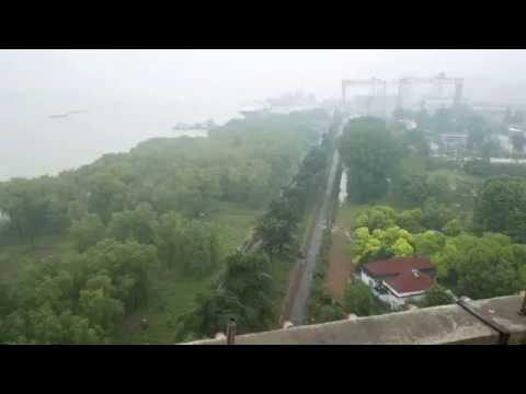 Nanjing Yangtze River Bridge  1st heavy bridge designed and built by China  May 26, 2016