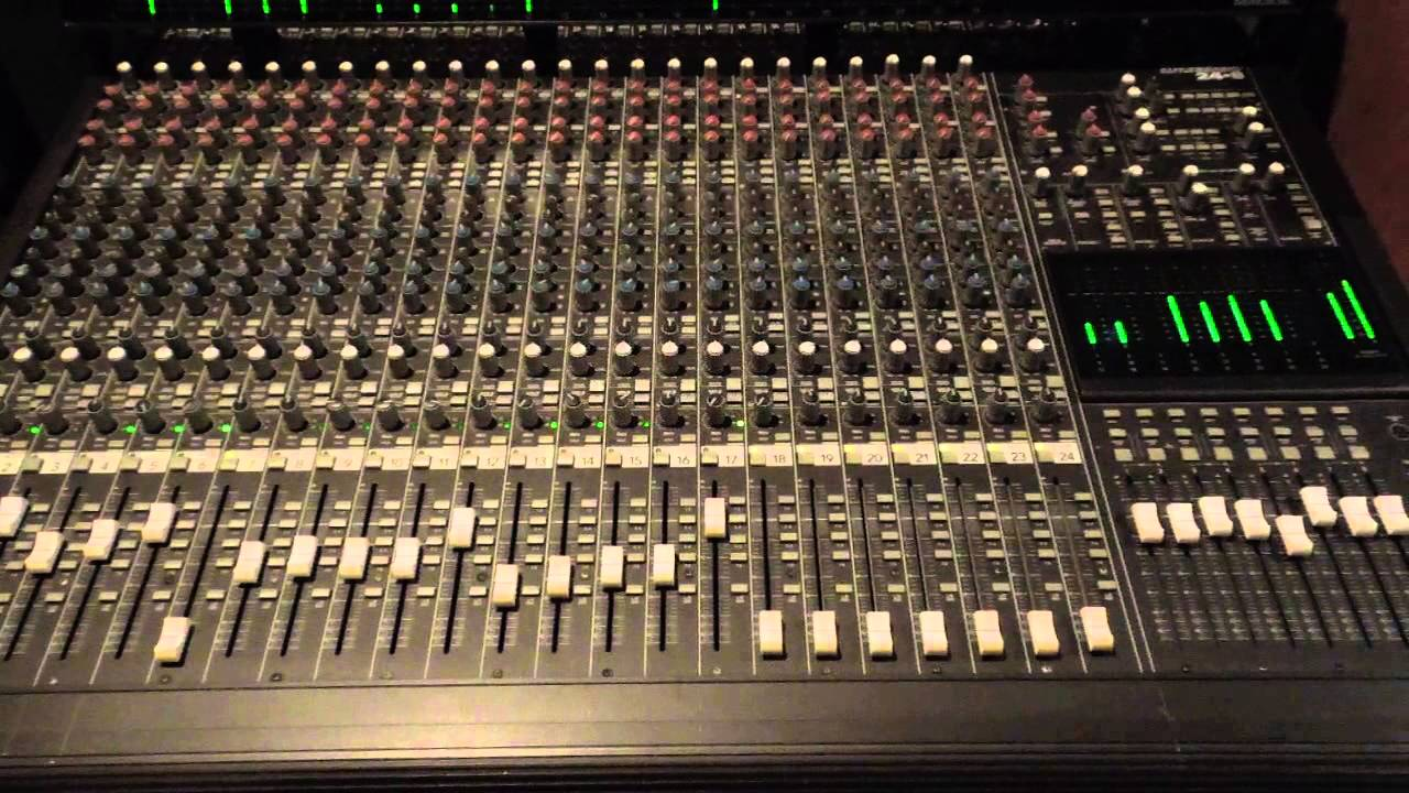 Mackie 24 X 8 Bus Analog Mixer In Action Youtube