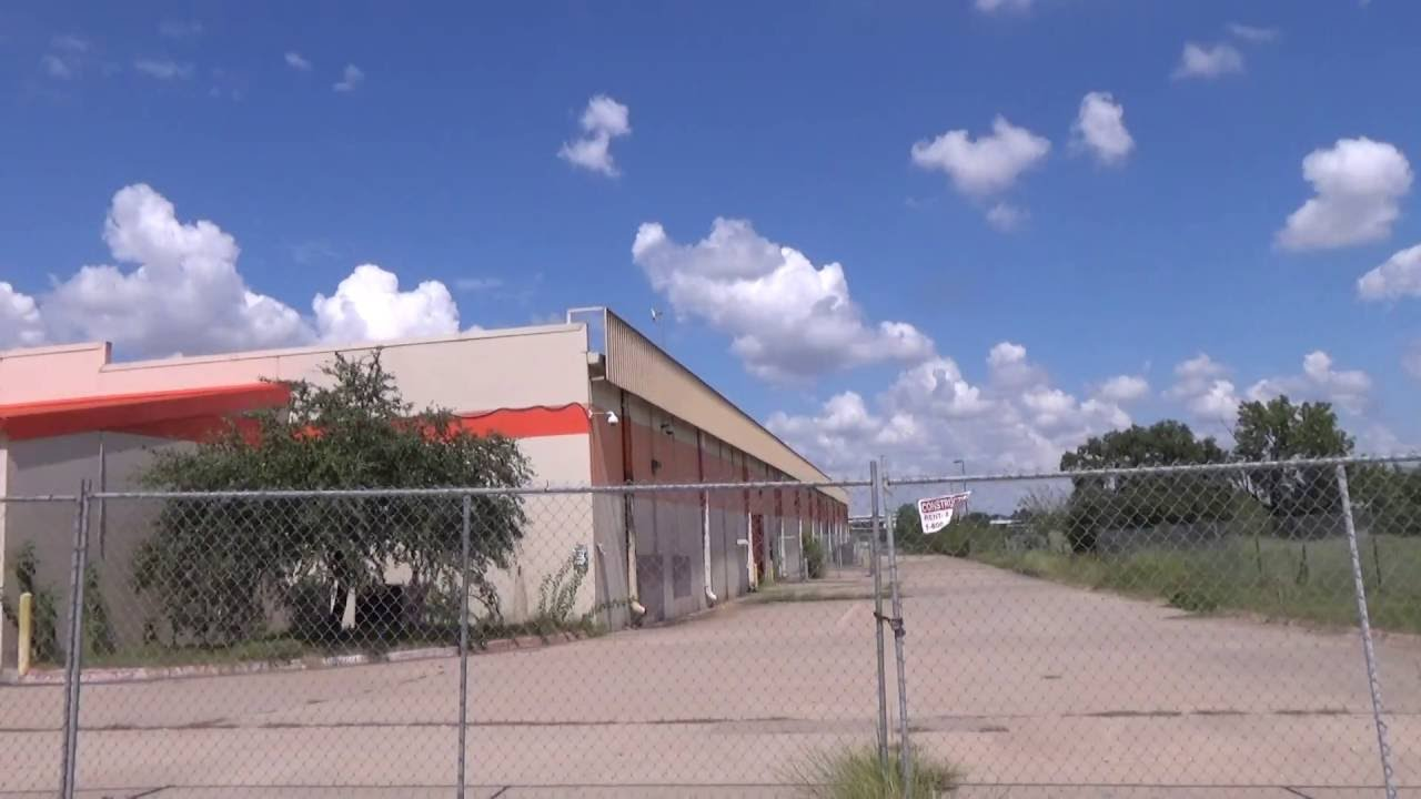 Abandoned Home Depot in Austin, Texas. - YouTube