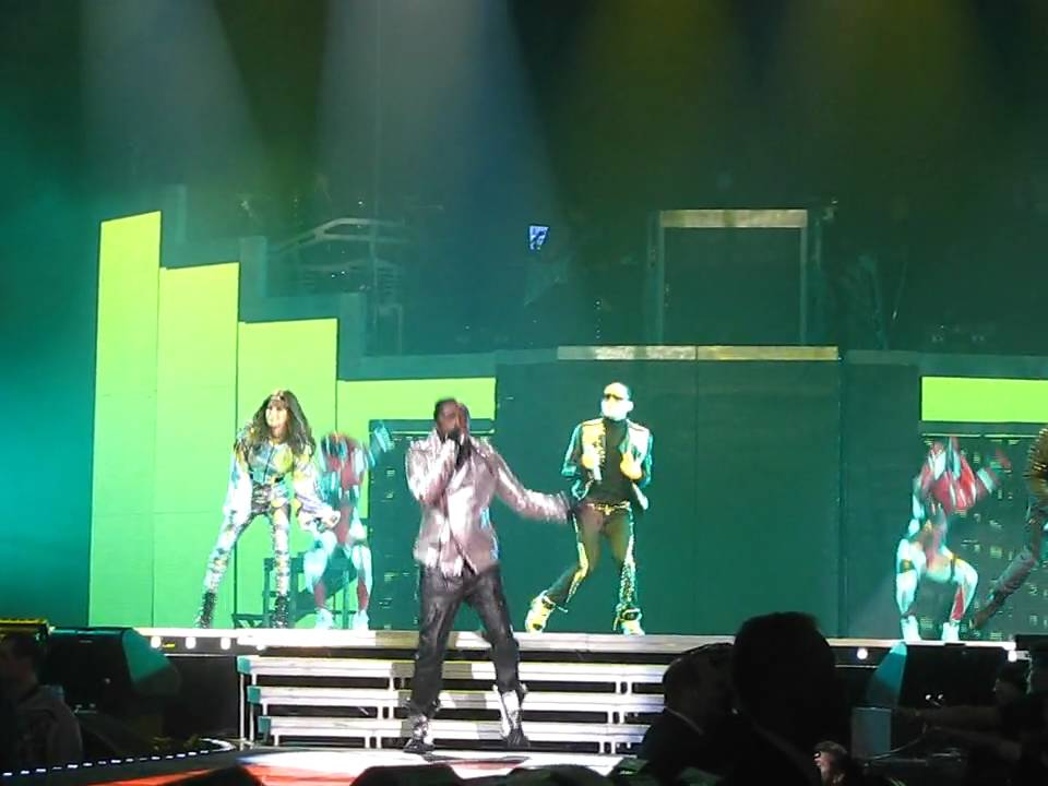 THE BLACK EYED PEAS - Imma Be - Live! - Madison Square Garden - NYC ...