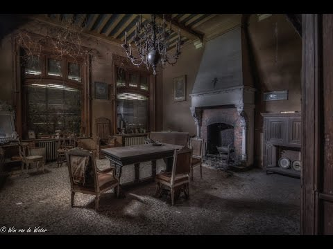Abandoned 17th Century Knights House (Fully Furnished)