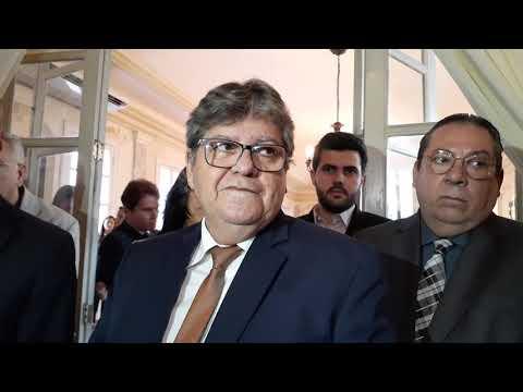 """""""Não aceito essa intervenção no PSB"""", dispara João Azevêdo"""