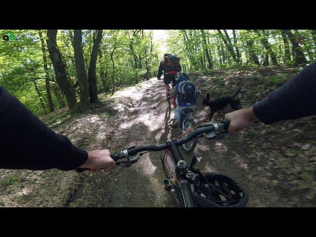 Aventuri pe bicicletă : Cu domnişorul pe creastă
