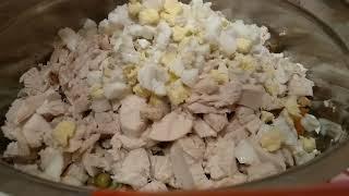 Лёгкий салат с курицей. Простой рецепт