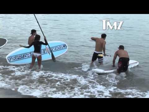 Eva Longoria    Paddle The Bikini thumbnail