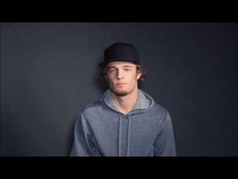 Tucker Beathard - Rock on lyrics