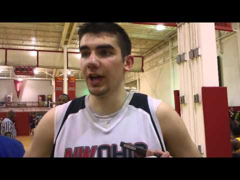 Basketball recruit Dakota Mathias