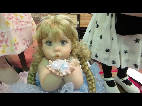 Maple Leaf Cambridge Doll Show!!! - Doll Break Ep. 112