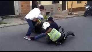 Pelea Policia vs Valijas (Bello Antioquia)