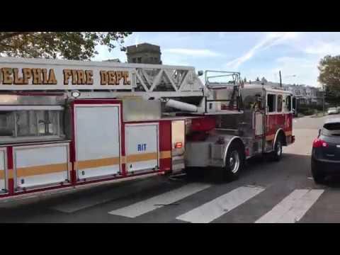 PHILADELPHIA FIRE DEPARTMENT LADDER 24 RESPONDING FROM QUARTERS IN PHILADELPHIA IN PENNSYLVANIA.