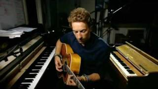 Coldplay - Chris Marting singing Wedding Bells (unreleased/unfinished new song)