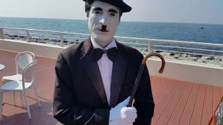 Charlie Chaplin of Dubai at Palm Jumeirah 15.11.2016