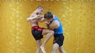 Тайский бокс на улице - Приемы от прямого удара(В этом видео по тайскому боксу на улице, я покажу тебе различные приемы по защите от прямого удара рукой...., 2013-08-17T05:38:21.000Z)