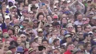 Madness - Baggy Trousers - Glastonbury 2016 (Crowd Cam)