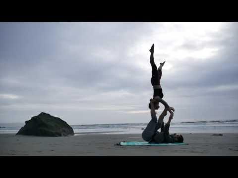 first flow. lauren & daniel. acroyoga // yoga of trust.