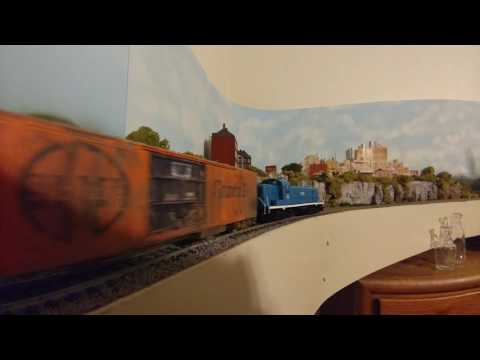 Boston and Maine RS-3 Athearn