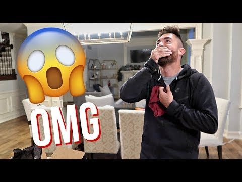 WAS NOT EXPECTING THIS GIFT... (HILARIOUS) | ALEX AND MICHAEL VLOGMAS!