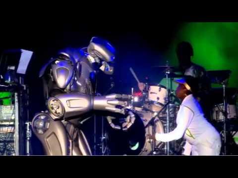 Basement Jaxx - Plug It In - ( V Festival 2007 Live )